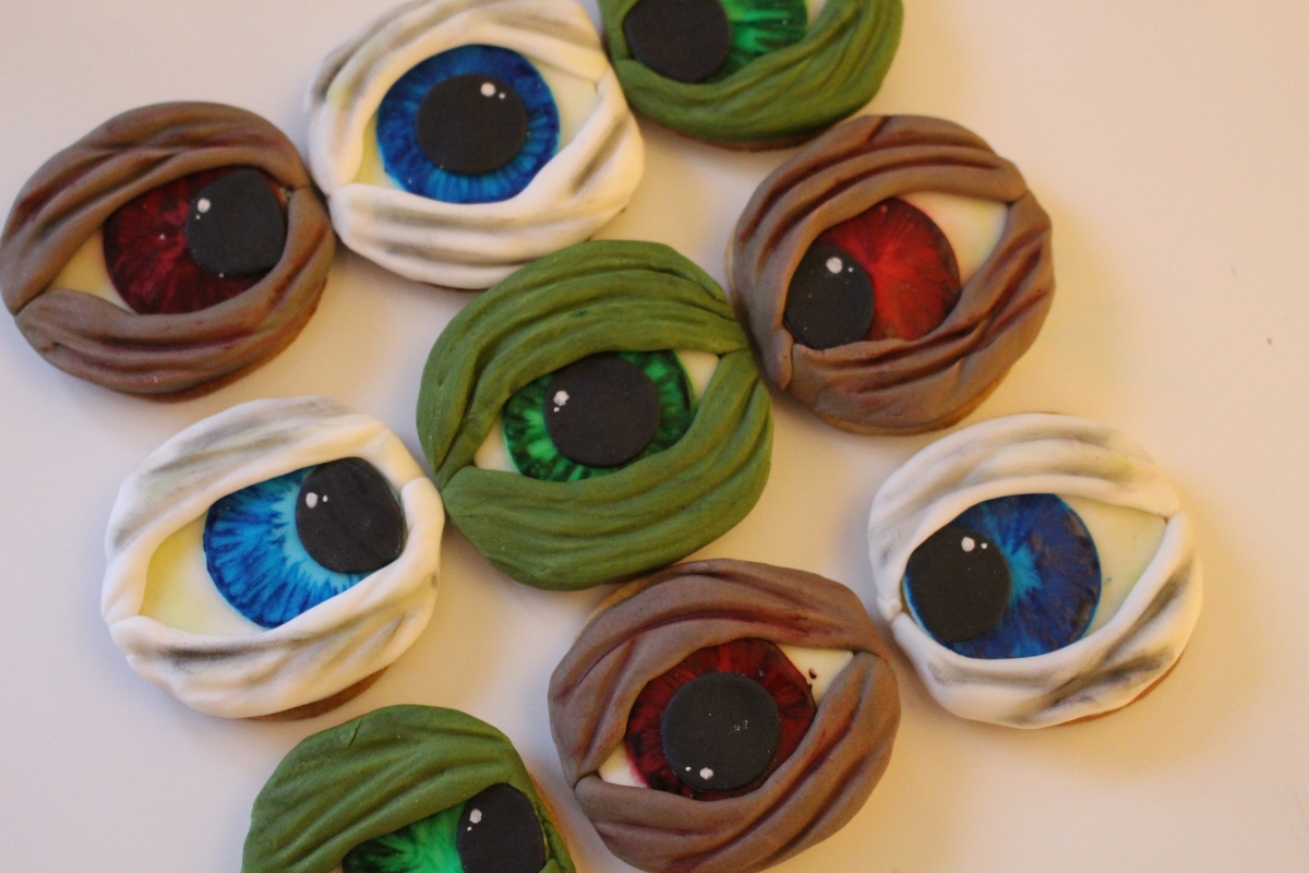 Halloween – Creepy Eyeballs – Rachel Bakes