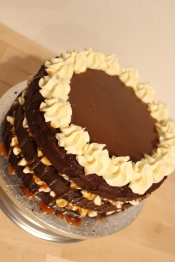 chocolate-salted-caramel-cake-13